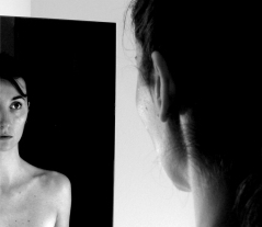 SELFPORTRAIT - MIRRORS