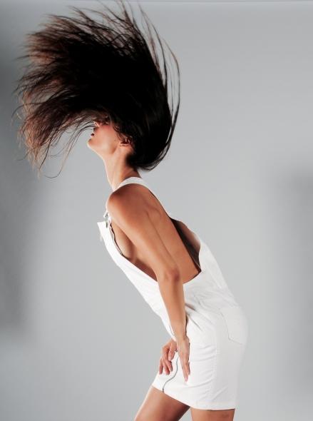 #JanaPerez wears a Calvin Klein dress.