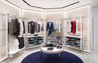 LA PERLA New shop in Barcelona Airport. Implementations, Spaces and Design. #LaPerla